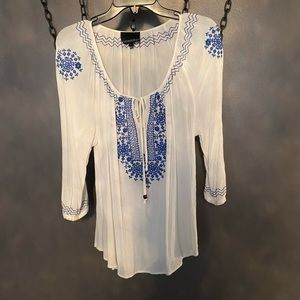 Cynthia Rowley blouse w/blue embroidery Large